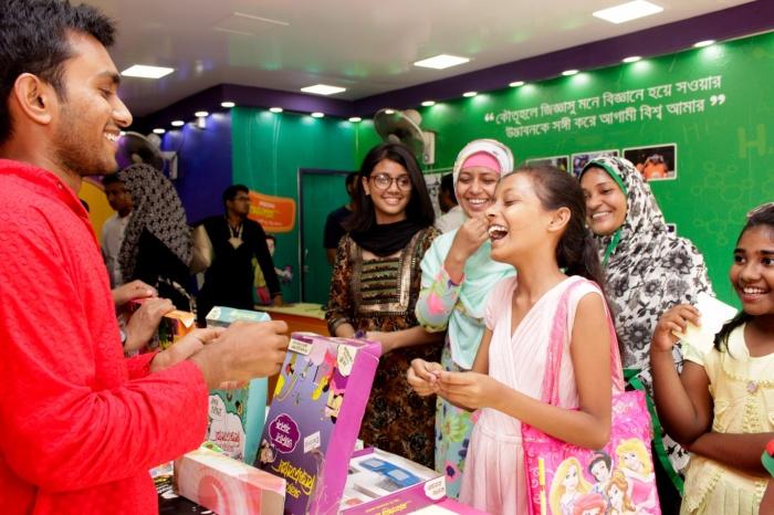 কেন বিজ্ঞানবাক্স চট্টগ্রাম বাণিজ্য মেলায় Award winning stall হলো? অনুসন্ধানী টিউন!