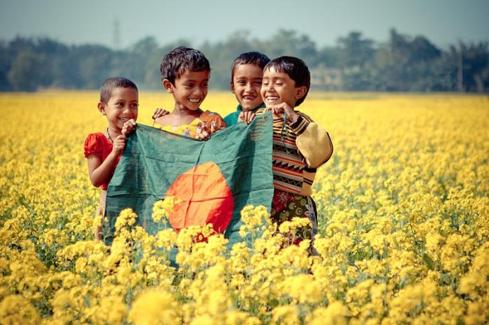 প্রত্নতাত্ত্বিক স্থাপনার ছবি তোলোন, বাংলাদেশকে প্রোমোট করুন
